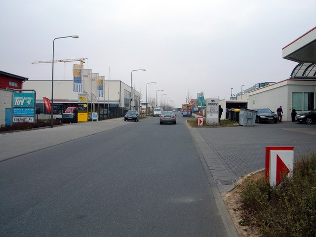 Frankfurt am Main-Kalbach, Max-Holder-Straße (Frankfurt am Main-Kalbach, Max-Holder-Strasse)