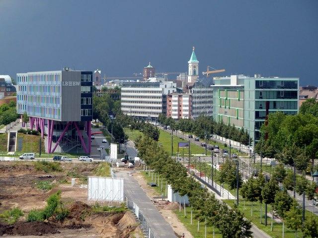 Ludwig-Erhard-Allee Richtung Innenstadt