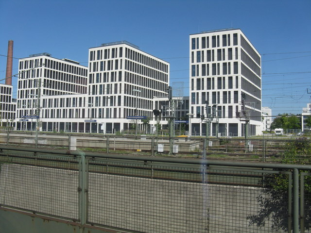 New buildings at Donnersbergerbrucke station