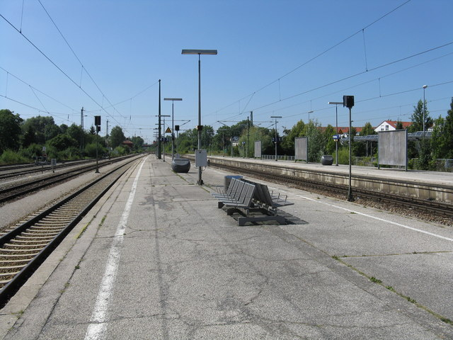 Bf. Freising (Freising station, looking south)