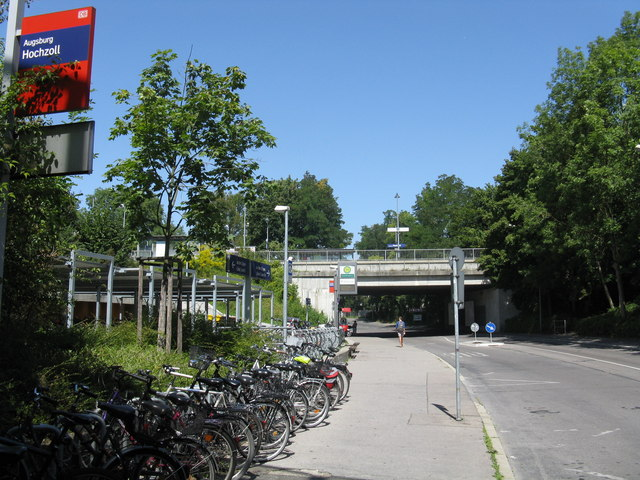 Augsburg-Hochzoll station - street level
