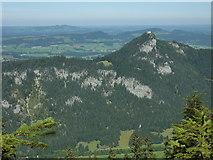 Breitenberg: Blick über das Vilstal zur Burg Falkenstein