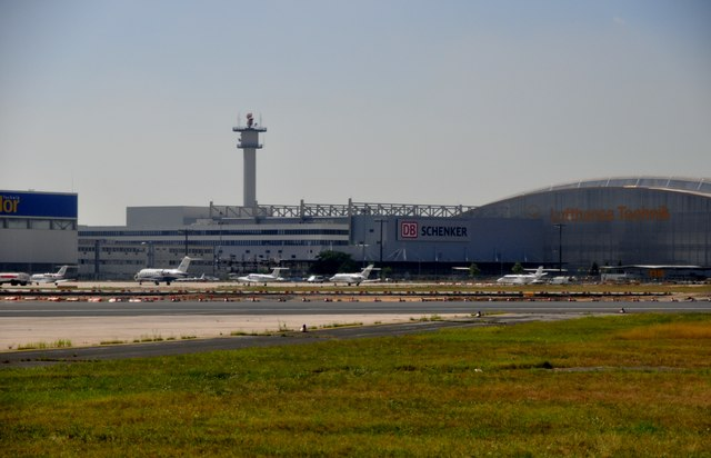 Frankfurt Airport : Airport Buildings