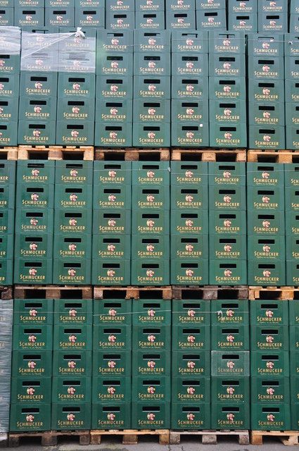 Mossautal : Schmucker Brewery - Bottle Crates