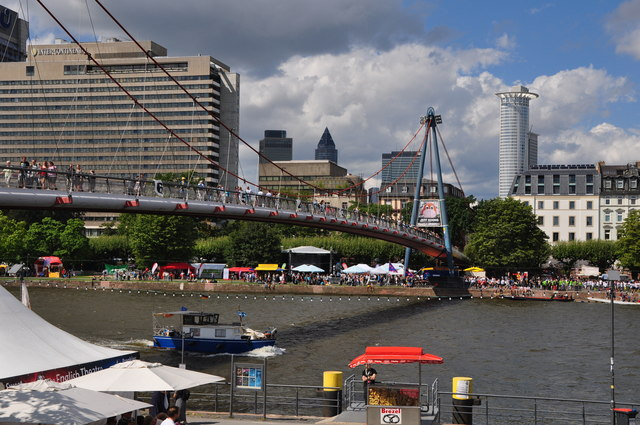 Frankfurt am Main : The River Main & Holbeinsteg