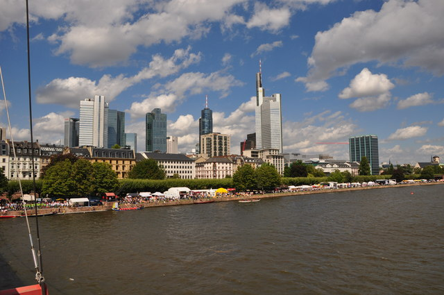 Frankfurt am Main : The River Main