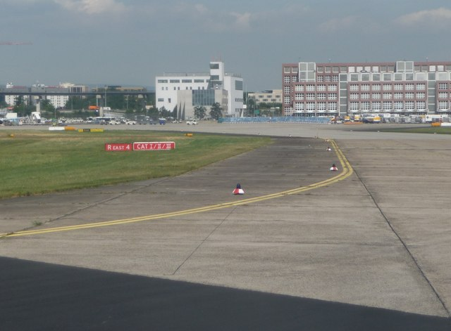 Frankfurt Airport : The Taxiway