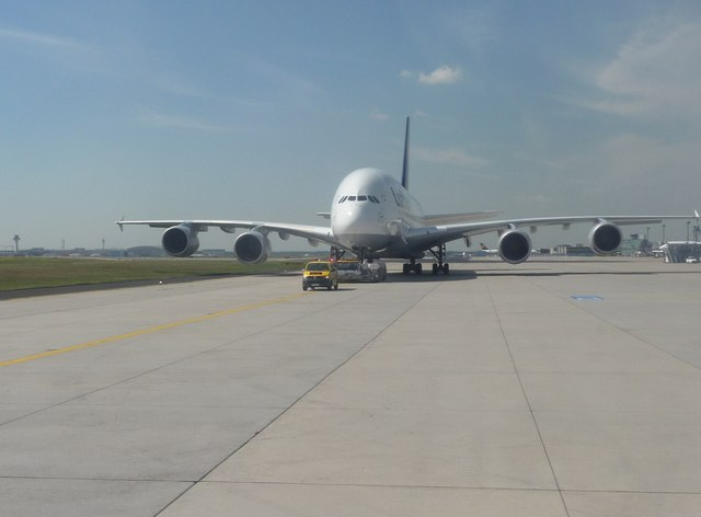 Frankfurt Airport : Taxiway & Airbus A380