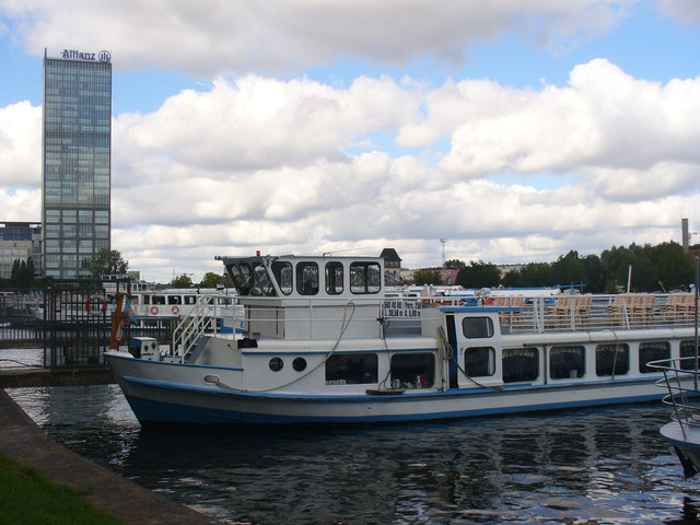 Treptower Park - Schiffanlegestelle (Pleasure Boat Moorings)