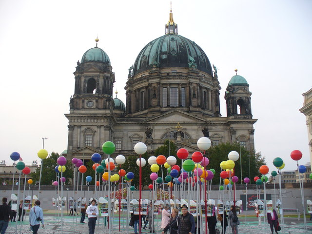 Berliner Dom und Stadtplan (Berlin Cathedral and City Map)
