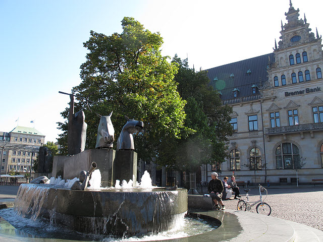 Neptunbrunnen am Domshof (Neptune fountain on Domshof)
