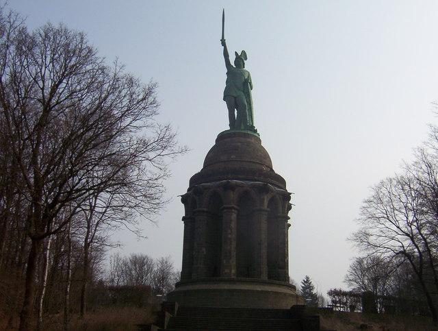 Hermannsdenkmal im Teutoburger Wald (Hermannsdenkmal in the Teutoburg Forest)