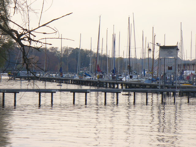 "Grosses Fenster - Anlegestelle am Havel (""Great Window"" - Moorings on the Havel)"