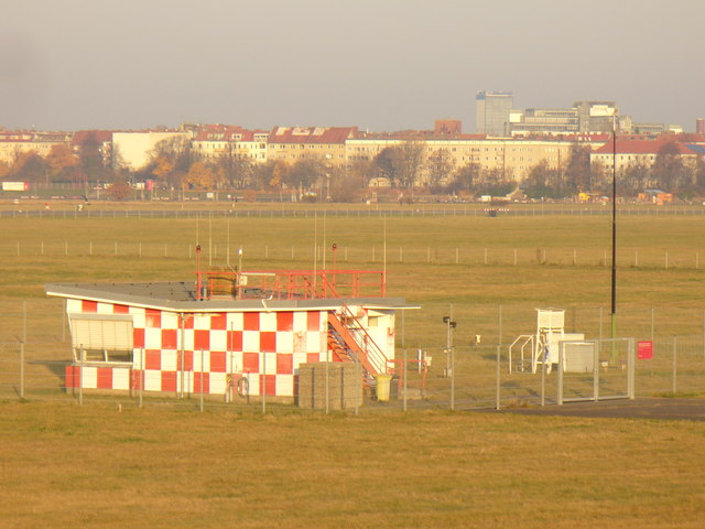 Tempelhof - Wetterstation (Weather Station)