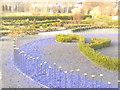 UUU8046 : Schlosspark Oranienburg - Luxusgarten (Oranienburg Palace Park - Luxury Garden) von Colin Smith
