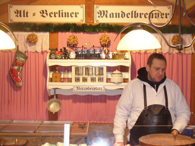 Alt-Berliner Mandelbrenner (Old Berlin Almond Roaster)