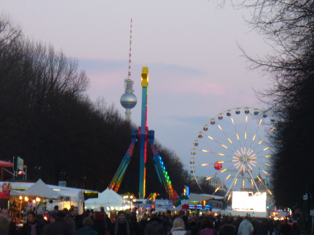 Berlin - Silvesterpartymeile (Hogmanay Party Mile)
