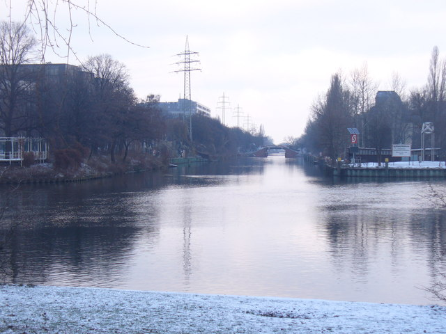 Charlottenburg - Spreebogen (River Spree Bend)