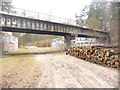 UUU7507 : Ehemalige Autobahn und Eisenbahn (Former Motorway and Railway) von Colin Smith