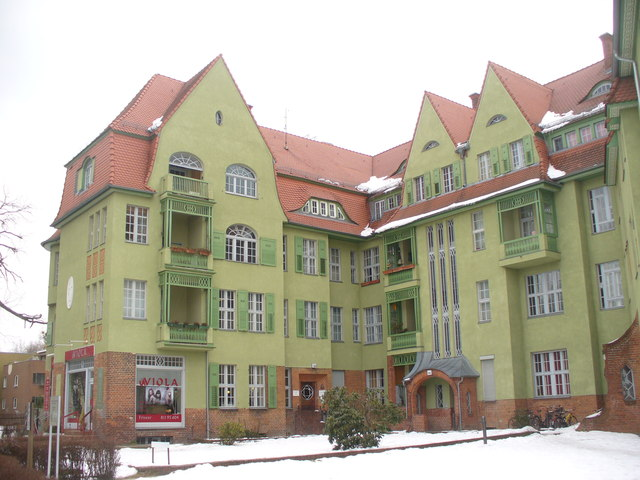 Zehlendorf - Wohnblock (Apartment Block)