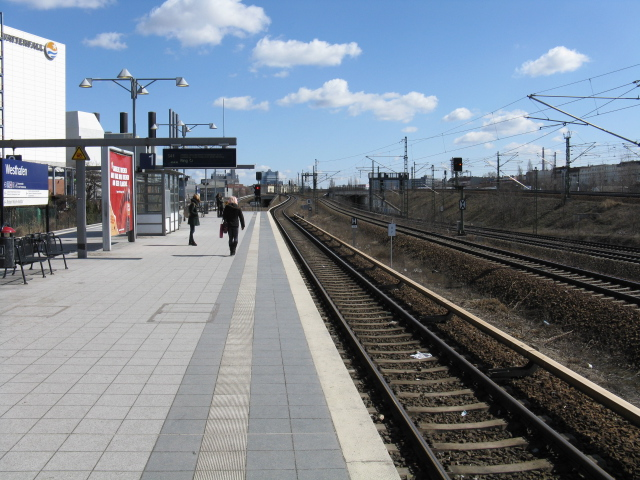 View east from Westhafen S-Bahn station