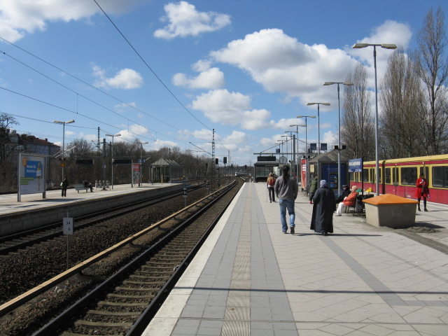 View west from Jungfernheide S-Bahn station
