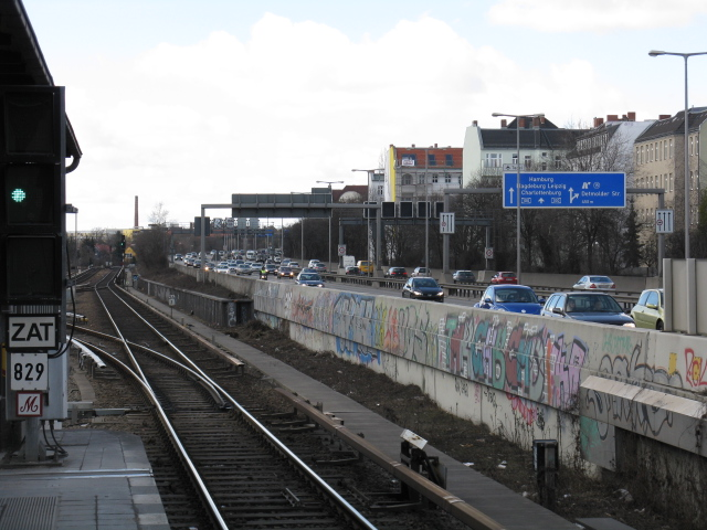 Autobahn at Bundesplatz S-Bahn station