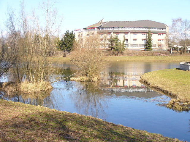 Maerkisches Viertel - Hotel am See (Markish Quarter - Lakeside Hotel)