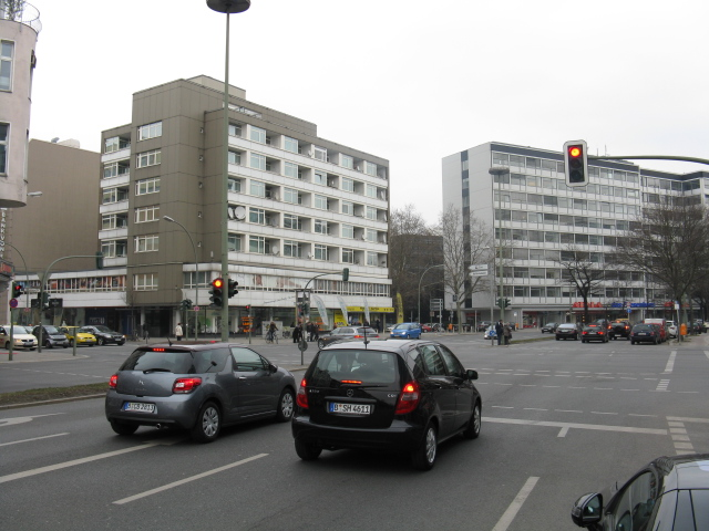 Lietzenburger Strasse at Friedrich Hollaender Platz