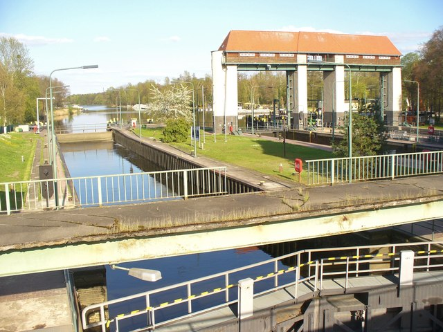 Machnower Schleuse am Teltowkanal (Machnow Lock on Teltow Canal)