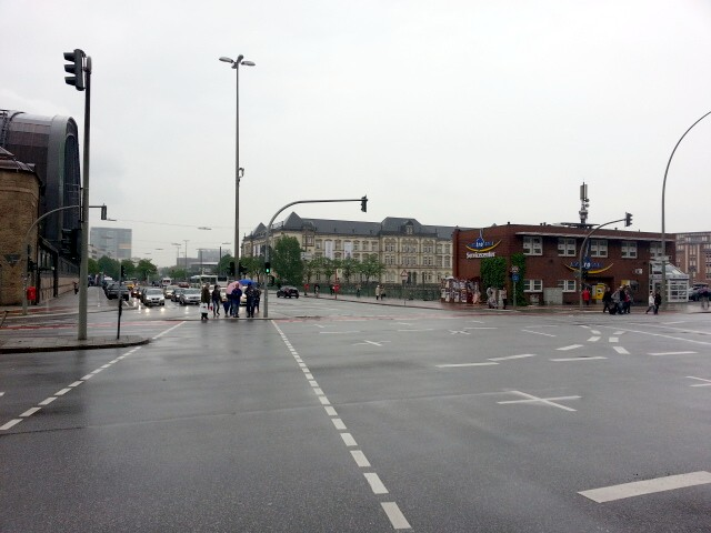 Street scene, south end of Hamburg Hbf