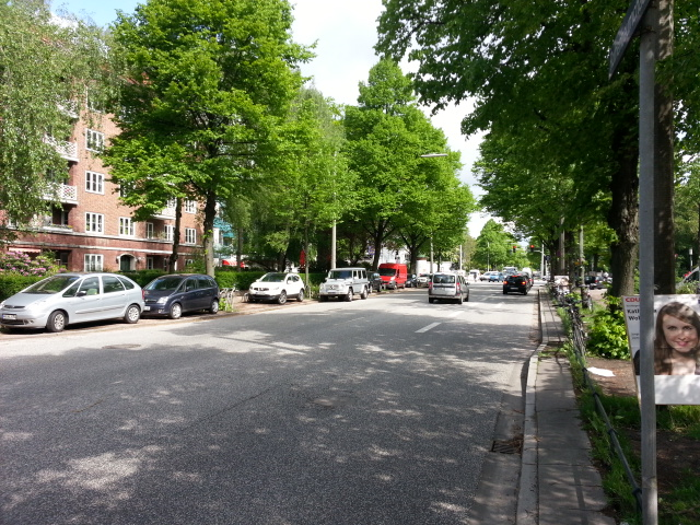 Rothenbaumchaussee looking toward Hallerstrasse