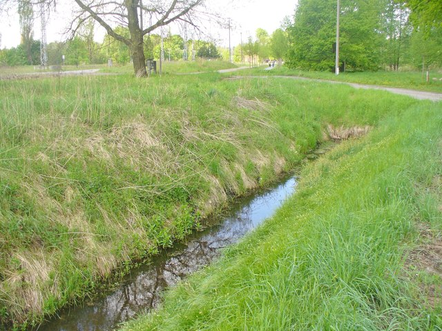 Bahnhof Wiesenburg (Mark) - Graben (Wiesenburg (Mark) Railway Station - Drainage Ditch)