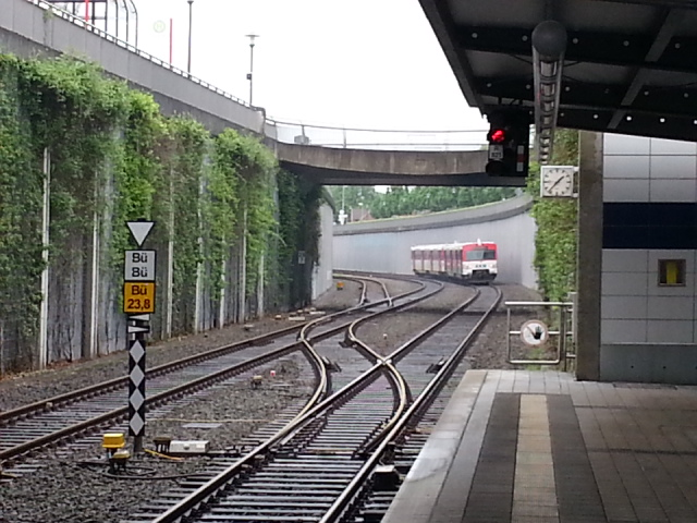 View north - Henstedt-Ulzburg station
