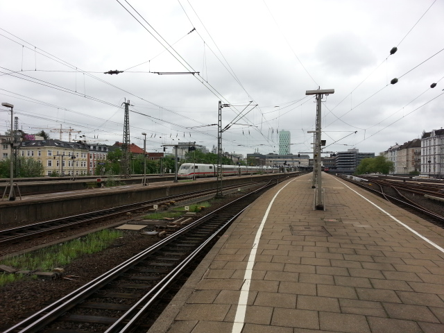 The empty platforms of Hamburg Altona station