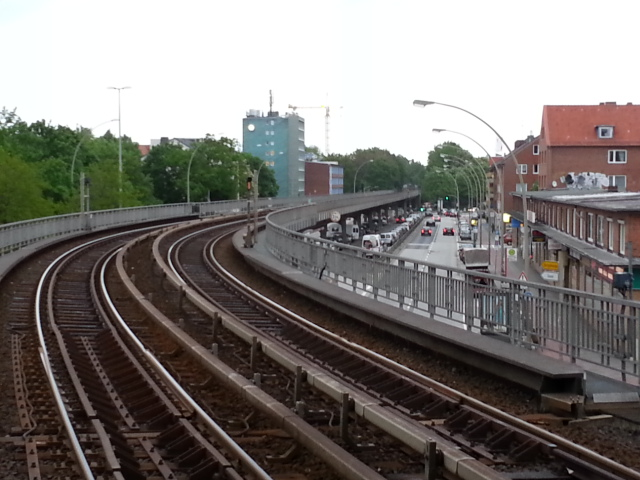 U-Bahn north of Dehnhaide station