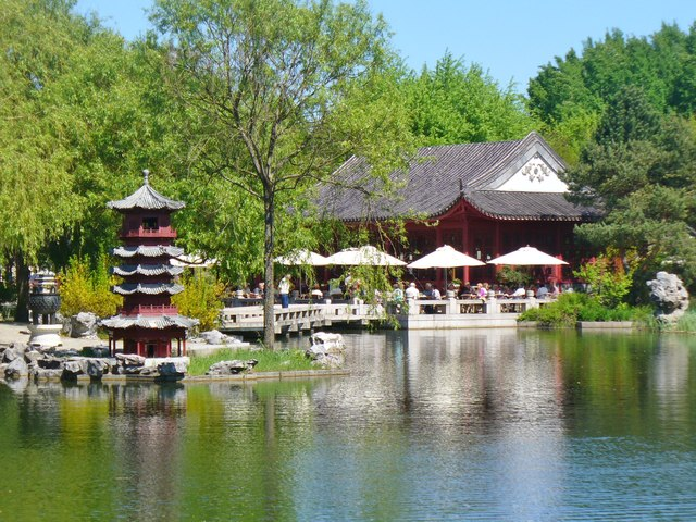 Berlin - Gaerten der Welt - China (World Gardens - China)