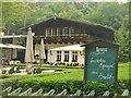 UUU7109 : Wirtshaus Moorlake - Spargelsaison (Moorlake Inn - Asparagus Season) von Colin Smith