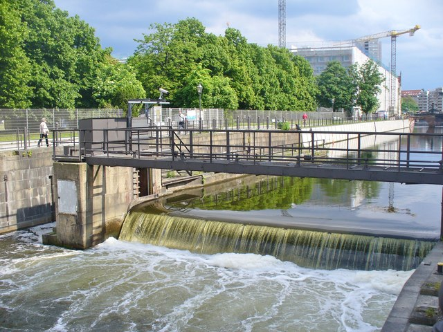 Berlin - Wehr am Spreekanal (Weir on the Spree Canal)