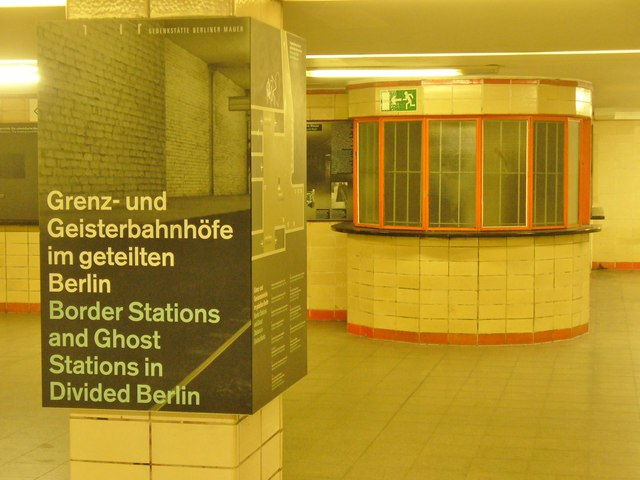 Grenz- und Geisterbahnhoefe (Boundary and Ghost Stations)