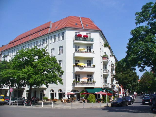 Charlottenburg - Eckhaus (Corner Apartment Block)