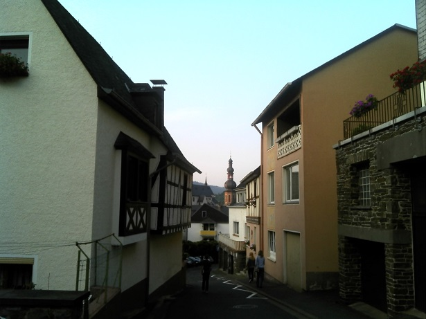 Sloping back street of Cochem