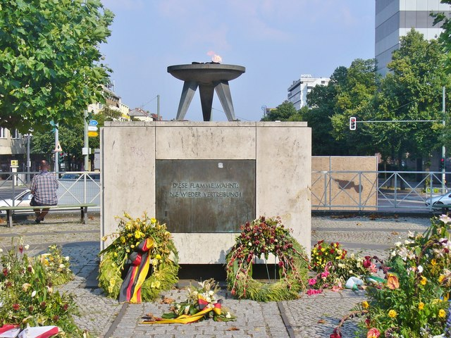 Berlin - Ewige Flamme (Eternal Flame)