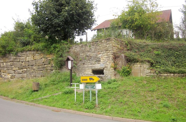 German Westwall machine gun pillbox, Wallendorf