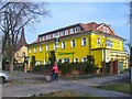 UUU8235 : Stolpe - Gasthof Zur Krummen Linde (Crooked Lime Tree Inn) von Colin Smith