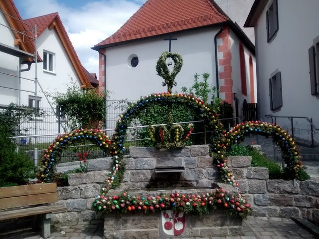 Osterbrunnen in Affalterthal