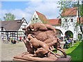 UUU8114 : Jagdschloss Grunewald - Kunstwerk (Grunewald Hunting Lodge - Statue) von Colin Smith