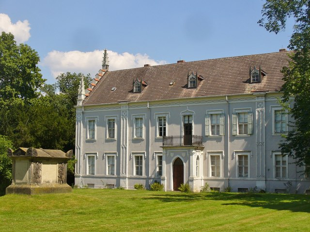 w rlitz graues haus grey house mgrs 33uut2246 geograph deutschland. Black Bedroom Furniture Sets. Home Design Ideas