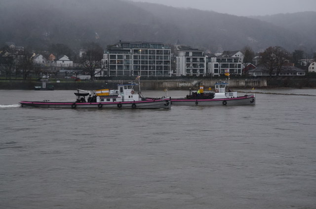 Tug boats helping the grounded Dinteloord