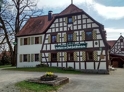 """UPV1283 : """"Gasthaus Zur Stadt Bad Windsheim"""" in Haaghof, erbaut 1826 von Günter Gardill"""